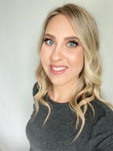 Juliesa Manning RMT Headshot